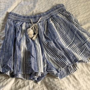 GAP Flowy Blue and White Shorts